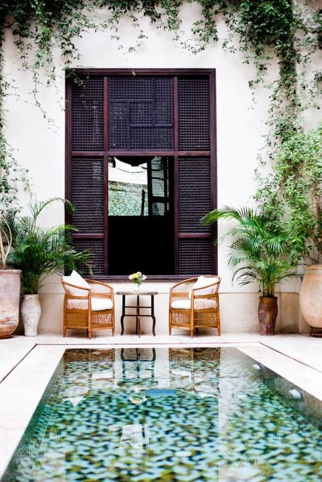 How to install outdoor curtains - The Colorful Tile At The Bottom Of This Dipping Pool Makes It Look