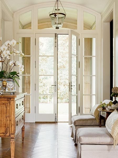 Foyers entryway ideas that invite you in megan morris for Elegant foyer decor