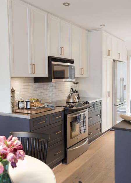 Beautiful Kitchens with Blue Cabinets | HomeandEventStyling.com