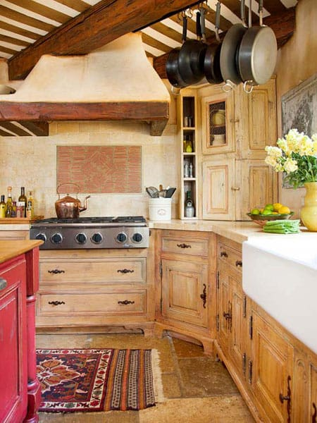 Wood Gives This Kitchen A Warm Lived In Feel That Makes This Kitchen