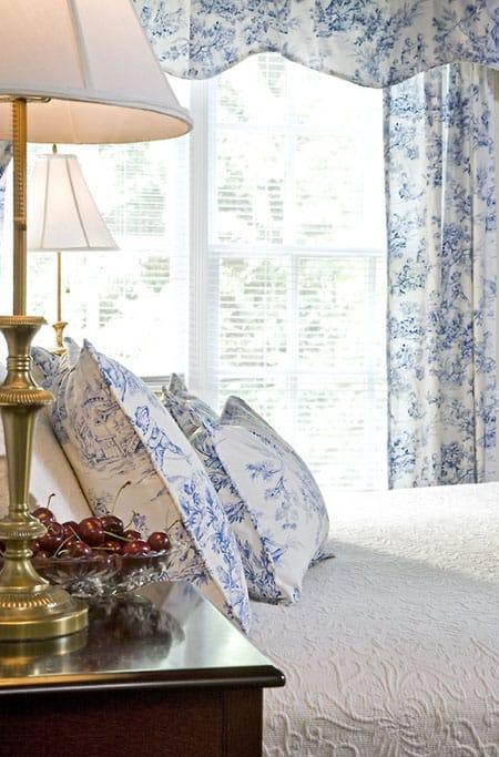 Toile de jouy a timeless pattern megan morris - Toile de jouy decoration ...