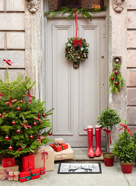 10 Ideas for a Christmas Entryway   HomeandEventStyling.com
