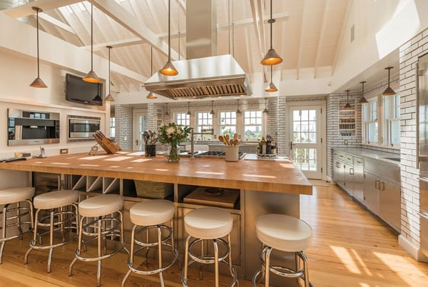 Home Tour: Billy Joel's Hamptons Beach House | HomeandEventStyling.com