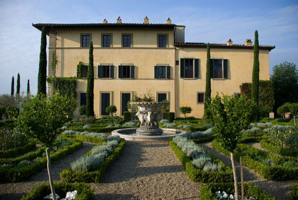 Home Tour: Sting's Tuscan Retreat | HomeandEventStyling.com