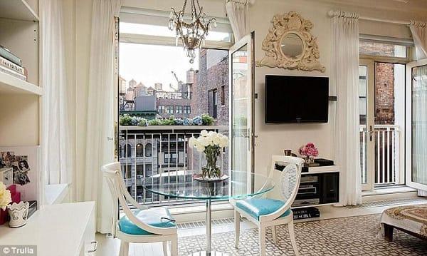 10 Charming Juliet Balcony Ideas