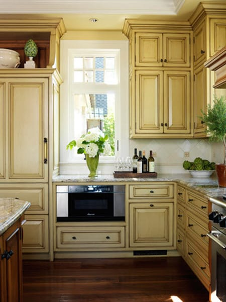 10 Glazed Kitchen Cabinets With Character
