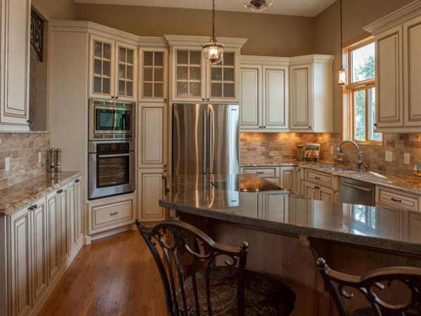 10 Glazed Kitchen Cabinets with Character   HomeandEventStyling.com