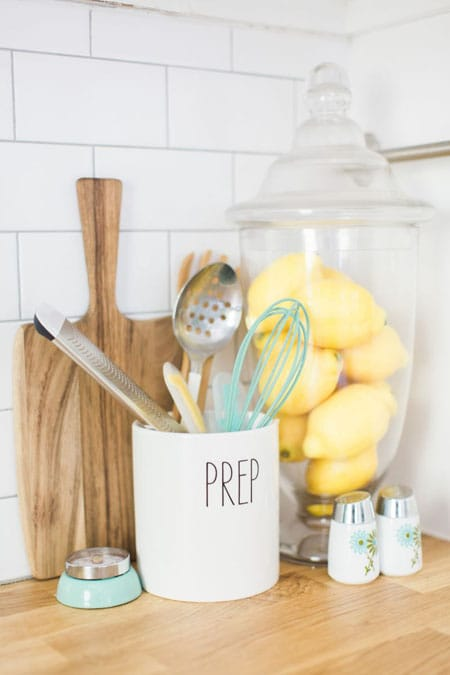 Charming Ideas for Your Kitchen Counter Decor | HomeandEventStyling.com