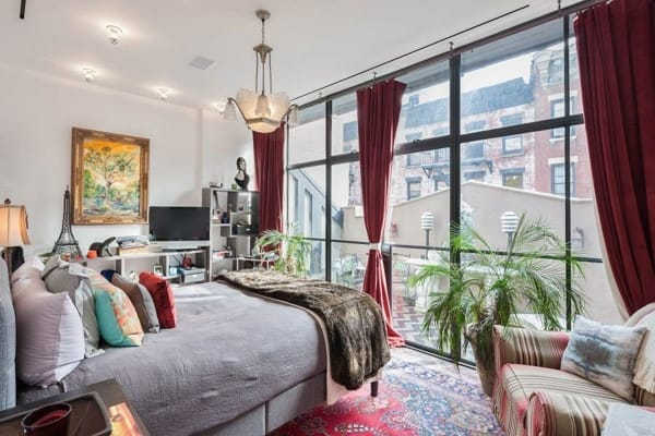 Home Tour: Taylor Swift's NYC Carriage House | HomeandEventStyling.com
