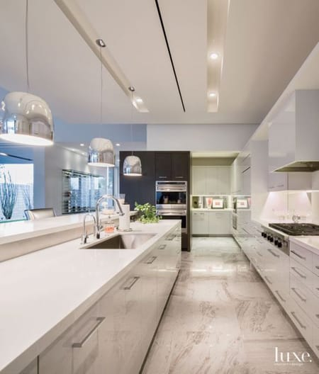 Going Glamorous with a High Gloss Kitchen | HomeandEventStyling.com