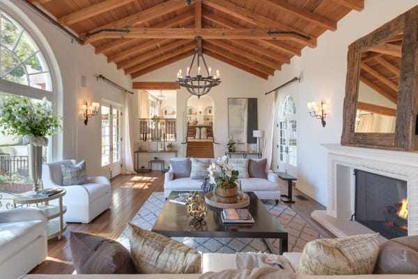 Home Tour: Tyra Banks's Charming Los Angeles Home | HomeandEventStyling.com