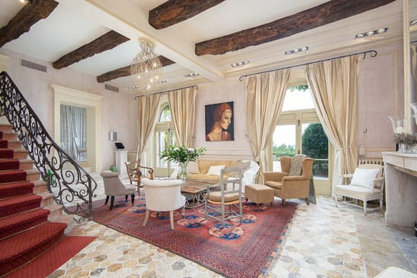 Home Tour: Brigitte Bardot's French Country House | HomeandEventStyling.com