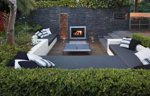 The Cozy & Stylish Look of Sunken Outdoor Seating | HomeandEventStyling.com