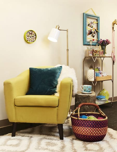 Home Tour: Sutton Foster's Charming Dressing Room | HomeandEventStyling.com