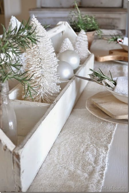 10 Beautiful & Inspiring Christmas Centerpiece Ideas | HomeandEventStyling.com