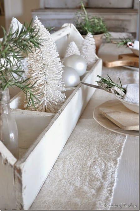 10 Beautiful & Inspiring Christmas Centerpiece Ideas   HomeandEventStyling.com