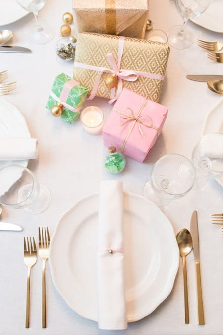 10 Stylish & Merry Christmas Tablescape Ideas   HomeandEventStyling.com