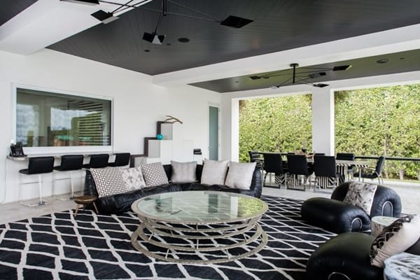 Home Tour: Gwen Stefani and Gavin Rossdale's Vibrant Beverly Hills Estate | HomeandEventStyling.com