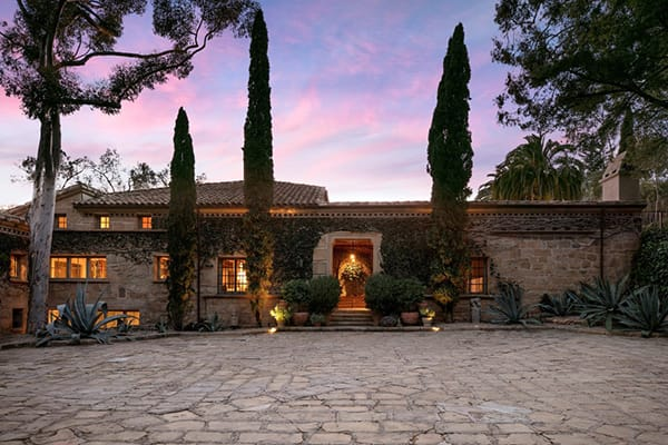 Home Tour: Ellen DeGeneres' Sprawling Tuscan Home   HomeandEventStyling.com