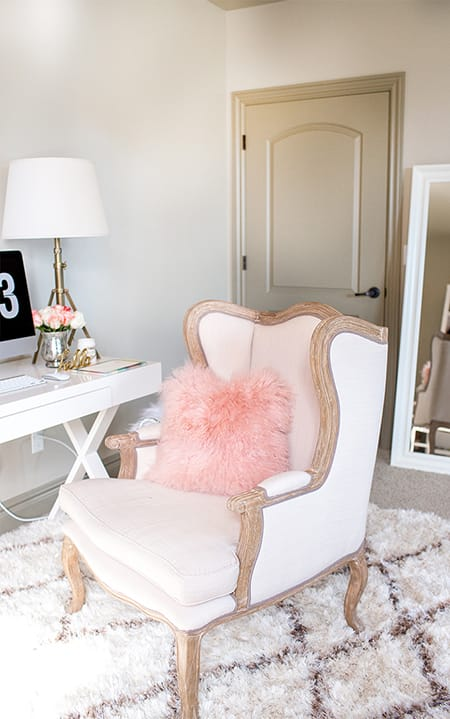 10 Chic Ideas for Faux Fur Accents | HomeandEventStyling.com