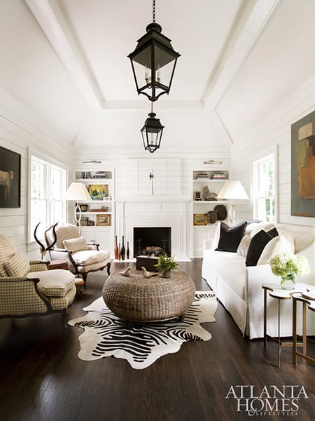Creating Beautiful Contrast with Light Walls and Dark Floors | HomeandEventStyling.com