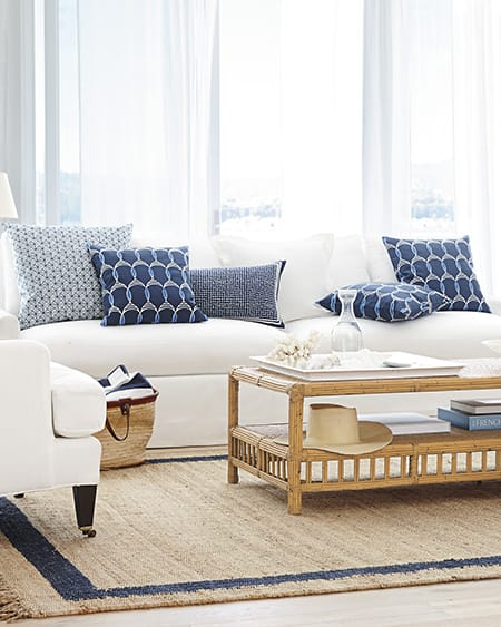 10 Wonderful Living Rooms with White Sofas | HomeandEventStyling.com