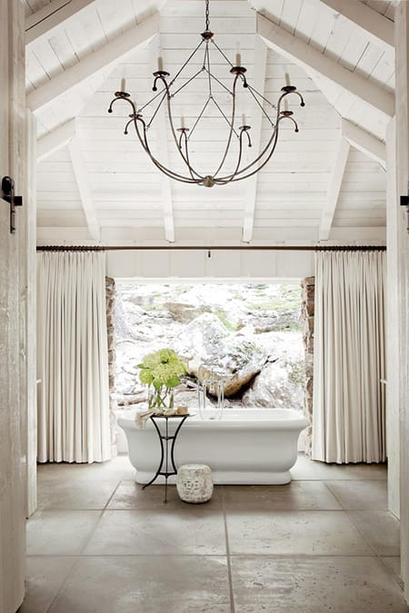 10 Times a Floating Tub Stole the Show | HomeandEventStyling.com