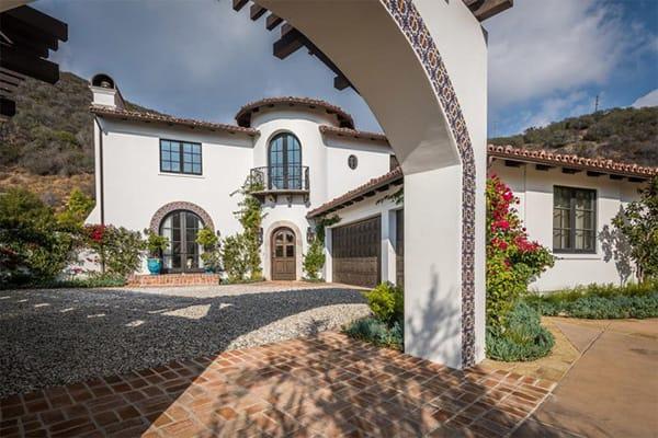 Home Tour: Lauren Conrad's Pacific Palisades Mansion | HomeandEventStyling.com