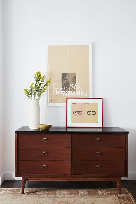 Home Tour: Mindy Kaling's Minimalist NYC Apartment | HomeandEventStyling.com
