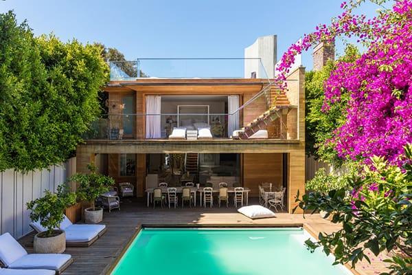 Home Tour: Pamela Anderson's Earthy Malibu Retreat   HomeandEventStyling.com