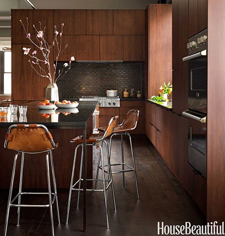 The Bold and Beautiful Effect of a Black Backsplash | HomeandEventStyling.com