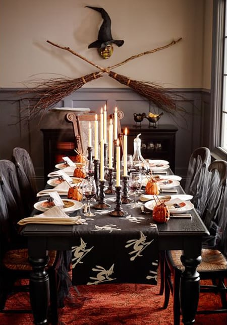 10 Delightfully Spooky Halloween Tablescape Ideas | HomeandEventStyling.com