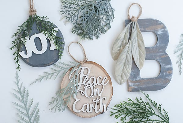 10 DIY Ornaments to Dress Up Your Christmas Tree | HomeandEventStyling.com