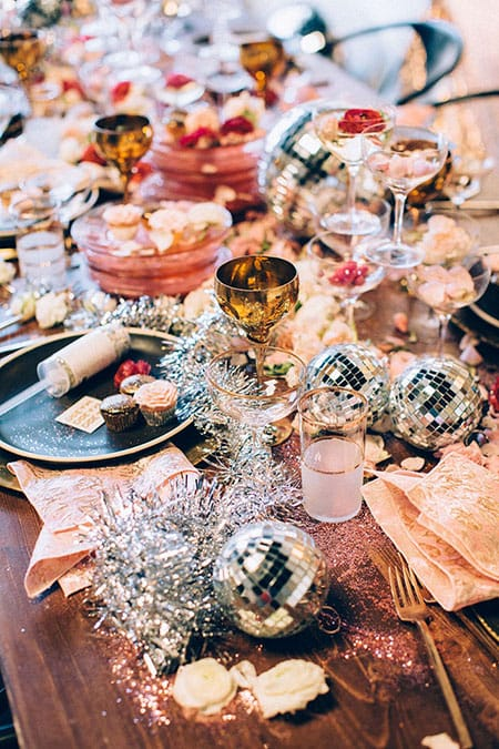 10 New Year's Eve Tablescape Ideas to Kick Off Things Off Right | HomeandEventStyling.com