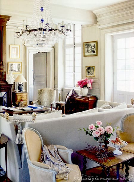 10 Chic and Fabulous Feminine Living Rooms | HomeandEventStyling.com