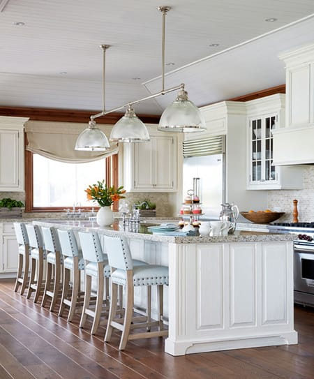 10 Chic and Charming Modern Farmhouse Kitchens | HomeandEventStyling.com