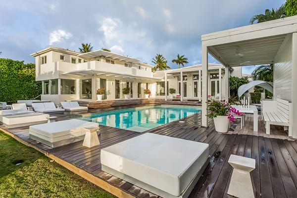 Home Tour: Shakira's Glamorous and Contemporary Miami Estate | HomeandEventStyling.com