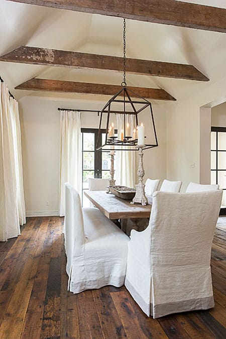The Chic Industrial Look of Lantern Chandeliers | HomeandEventStyling.com