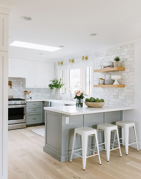The Classic and Upscale Look of Marble Subway Tile | HomeandEventStyling.com