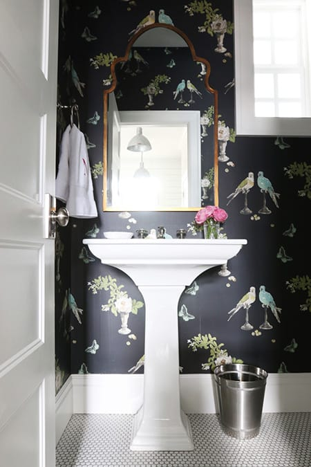 "10 Bathrooms That ""Wow"" with Wallpaper 