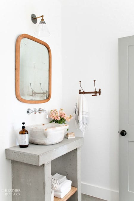 The Modern Look of Concrete Bathroom Countertops | HomeandEventStyling.com