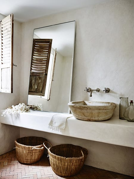 10 Spa-Like Bathrooms with Modern, Rustic Style | HomeandEventStyling.com