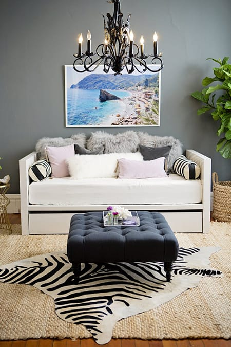 10 Stylish Daybed Ideas for a Multi-Functional Look | HomeandEventStyling.com