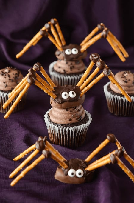 10 Wickedly Good Halloween Cupcake Ideas | HomeandEventStyling.com