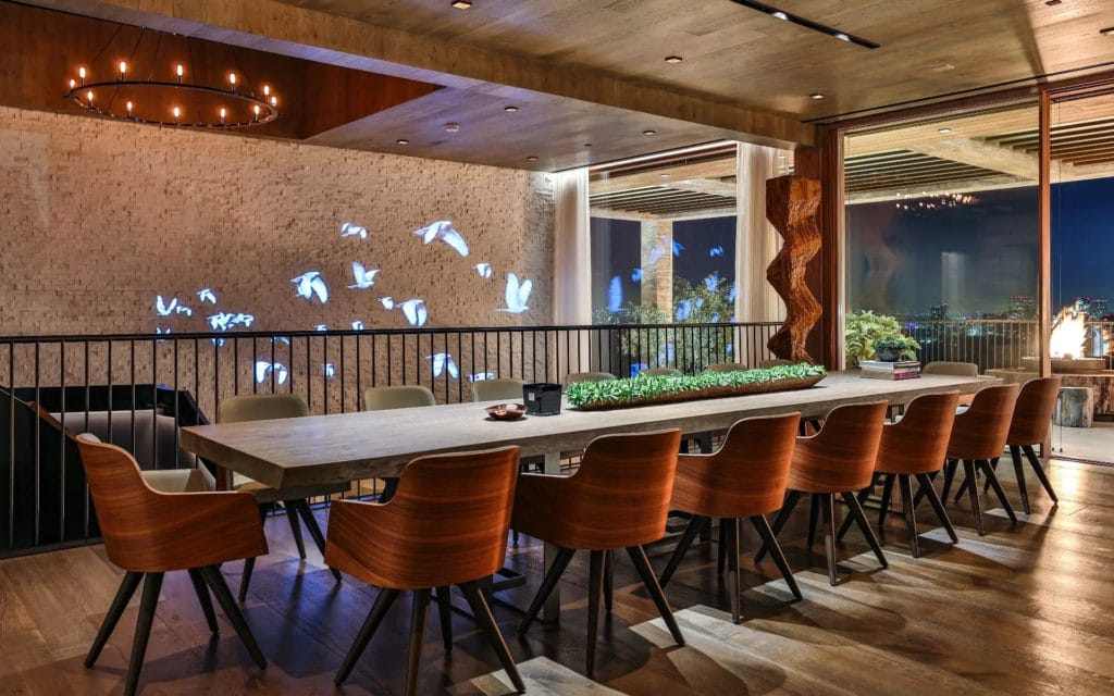 Dining room at 822 Sarbonne